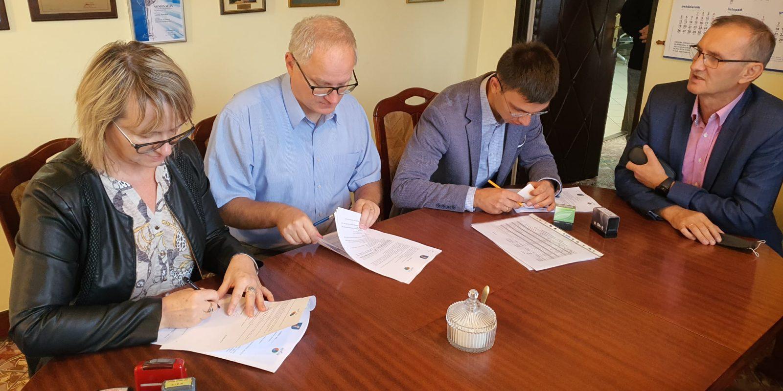 Podpisanie umowy na kanalizację Grabkowa i Krajkowa